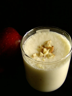 Apple and Almonds Milkshake