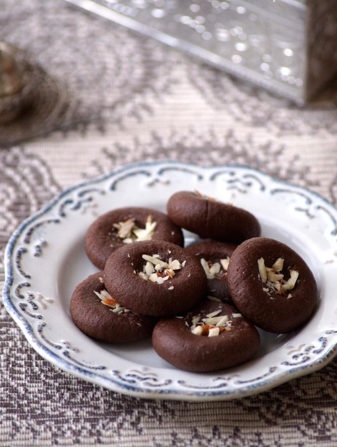 Chocolate Peda Recipe – How to make Chocolate Peda – Easy Diwali Sweets Recipes