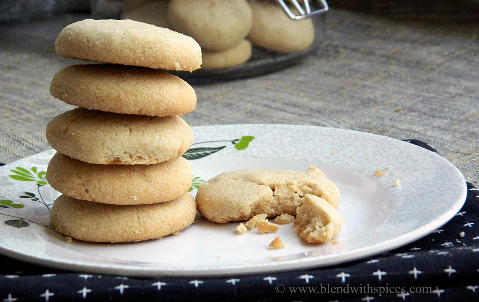 easy cashew cookies recipe with whole wheat flour, eggless cookies recipes